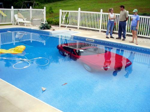 20080704__070408-sub-Car-in-Pool-1_500