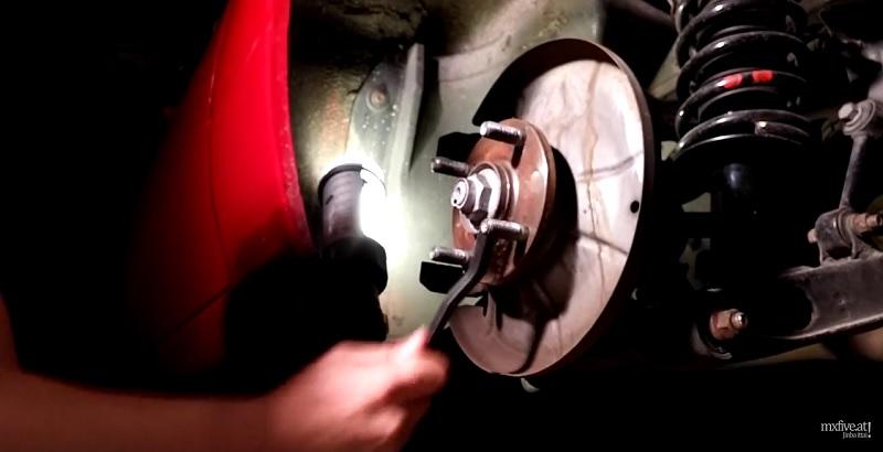 Mazda MX-5 Radnabe Reinigung